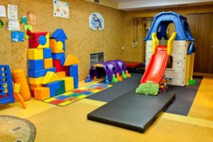 Как открыть детскую игровую комнату: Бизнес план