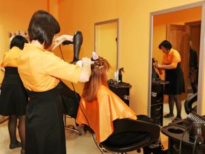 Как с нуля открыть парикмахерскую: пошаговая инструкция